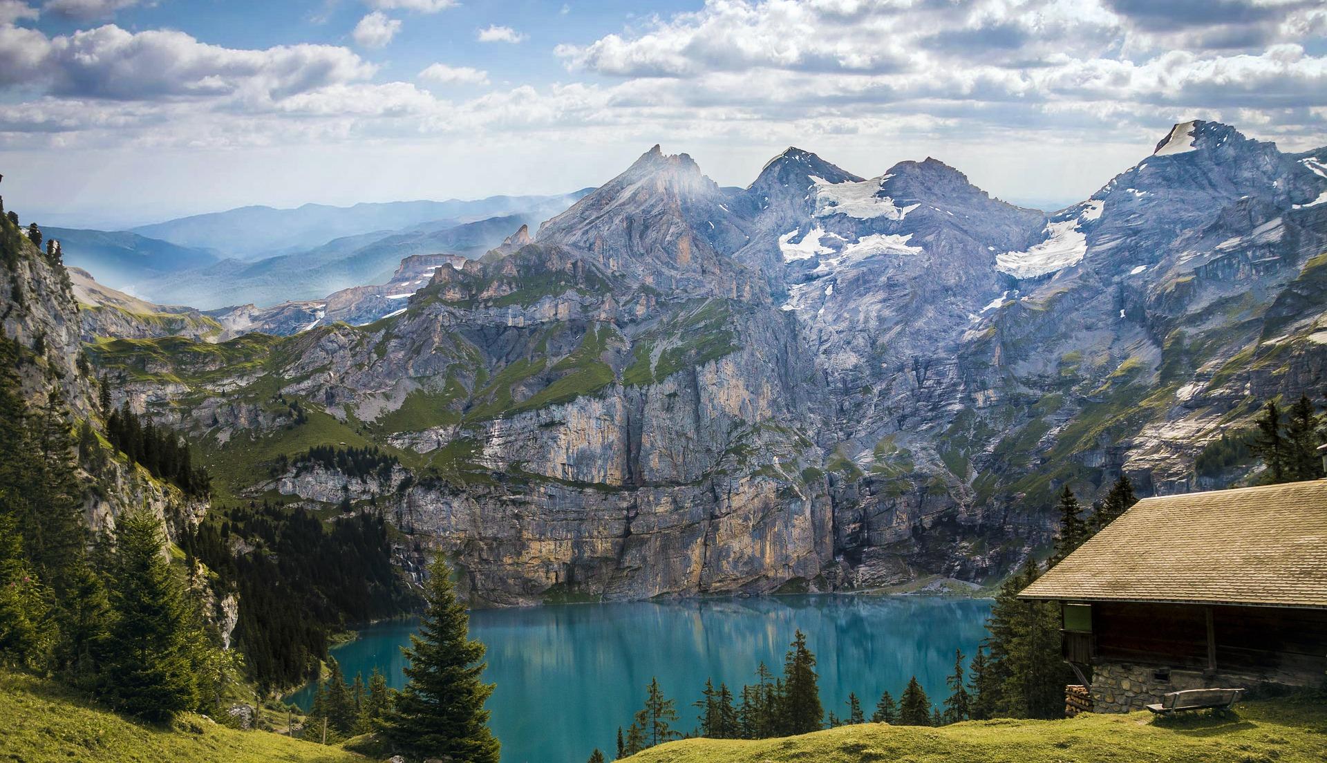 mountains-1645078_1920